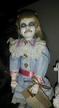 Oh my...LOVE this creepy doll!!!
