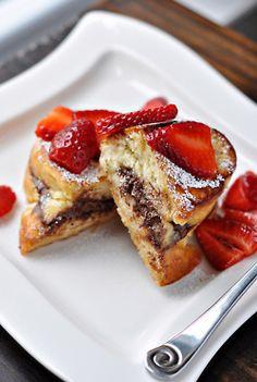 nutella stuffed french toast. mmmmm