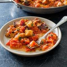 The keys to our best summer tomato gratin are toasted, crusty artisan-style bread and bright, fresh tomatoes. Best Chicken Ever, Donut Toppings, Summer Tomato, Oven Baked Chicken, Americas Test Kitchen, Side Dishes, Main Dishes, Favorite Recipes, Cooking