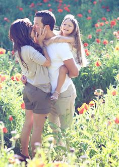 Love that its a cute family of three, want this pose for L's bday pics! julie parker photography......delight in the little things!