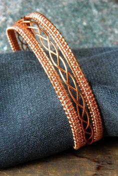 Немножко кельтский браслет из проволоки