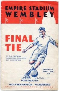 Portsmouth 4 Wolves 1 in April 1939 at Wembley. Programme cover for the FA Cup Final. Football Program, Football Cards, Football Team, Retro Football, Football Design, Rugby, Soccer Art, Challenge Cup, Fa Cup Final