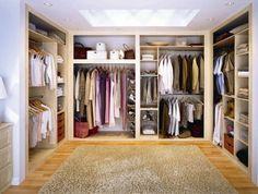 Begehbarer kleiderschrank selber bauen anleitung  offener kleiderschrank ideen vorhang vestecken stangen regale ...