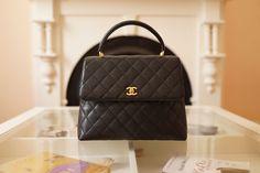 CHANEL Vintage Black Caviar 2.55 Jumbo Classic Flap top handle hand bag purse