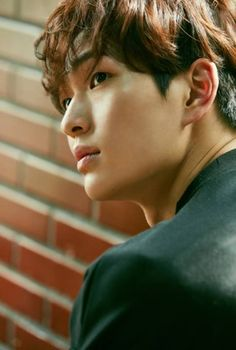 SHINee releases '1 and 1' 5th Repackage Album. Onew