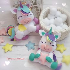 Make your own plushie horse. Free sewing pattern for an ad Felt Crafts Diy, Felt Diy, Baby Crafts, Crafts For Kids, Fabric Toys, Felt Fabric, Felt Patterns, Stuffed Toys Patterns, Baby Mobile