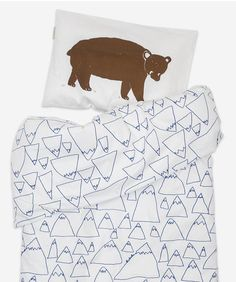 Bruno & Mountains baby bed set by Fine Little Day. Beautiful organic cotton bedding for a baby cot bed, wih Mountain print duvet cover and Bruno bear cushion. Cute Bedding, Baby Boy Bedding, Crib Bedding Sets, Linen Bedding, Bed Sets, Native Child, Mountain Designs, Scandinavian Home, Cool Beds