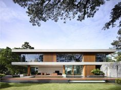 Nature-inspired details shaping 65BTP-House in Singapore