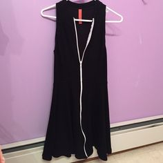 Eight Sixty black sleeveless dress Cute dress, very fitted at top Eight Sixty Dresses Midi