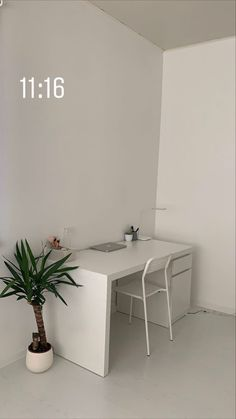 Diy Home Decor Bedroom, Home Office Decor, Pinterest Room Decor, Minimalist Room, Aesthetic Room Decor, Home Room Design, My New Room, Decoration, Room Inspiration