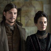 Still of Josh Hartnett and Eva Green in Penny Dreadful (2014)
