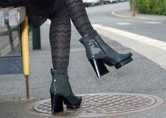 2-colored ankle boots
