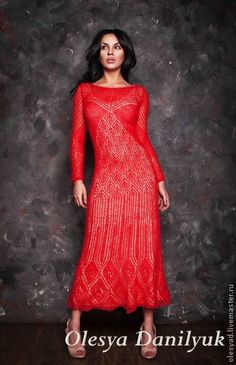 Красное платье. Красное платье из авторской коллекции дизайнера Олеси Данилюк. Платье нежное, практически невесомое, выполнено из потрясающего благородного тонкого мохера (75% кид мохер, 25% шёлк). Прочная шелковая нить основы и…