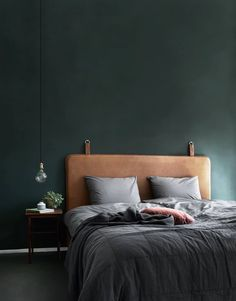 18 Elegant Bedroom Makeover Ideas With Small Budget Bedroom Green, Cozy Bedroom, Bedroom Decor, Bedroom Ideas, Design Bedroom, Bedroom Modern, Contemporary Bedroom, Danish Bedroom, Green Bedrooms