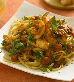Linguine with shrimp, tomatoes, olives, and capers - Pasta Dinner Recipes - Health Mobile Shrimp Linguine, Linguine Recipes, Pasta Dinner Recipes, Pasta Dinners, Seafood Recipes, Cooking Recipes, Healthy Recipes, Healthy Menu, Yummy Recipes
