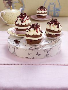 Unser beliebtes Rezept für Mini Schwarzwälder Kirsch (oder Muffins Schwarzwälder Art) und mehr als 55.000 weitere kostenlose Rezepte auf LECKER.de.