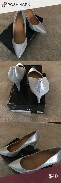 J Crew Isabelle Crackled Metallic Pumps Size 9.5 In excellent used condition only worn one time!  Only wear is on the soles which is minimal.  Nonsmoking home & open to offers! J. Crew Shoes Heels