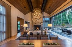 A spectacular mountain home in Martis Camp in harmony with nature Modern Farmhouse Interiors, Cabin Interiors, Modern Mountain Home, Mountain Homes, Community Property, Cabins For Sale, Timber House, Mountain Property For Sale, Great Rooms