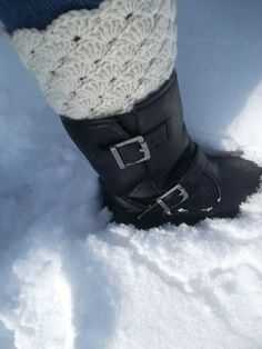 See? Snow. Brrrr... This is a boot liner crocheted right to the top of your socks