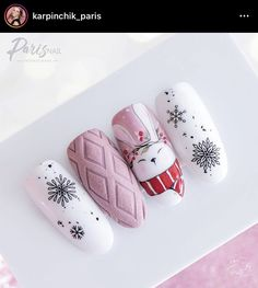 Amazing winter holiday nails❄🎄, You can collect images you discovered organize them, add your own ideas to your collections and share with other people. Cute Acrylic Nails, Acrylic Nail Designs, Cute Nails, Pretty Nails, Nail Art Designs, Cute Christmas Nails, Xmas Nails, Holiday Nails, Christmas Tree