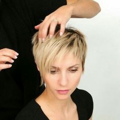 Today we have the most stylish 86 Cute Short Pixie Haircuts. We claim that you have never seen such elegant and eye-catching short hairstyles before. Pixie haircut, of course, offers a lot of options for the hair of the ladies'… Continue Reading → Thin Hair Haircuts, Short Pixie Haircuts, Thin Hairstyles, Stylish Hairstyles, Celebrity Short Hairstyles, Short Stacked Hairstyles, Women Pixie Haircut, Glasses Hairstyles, Pixie Haircut Styles