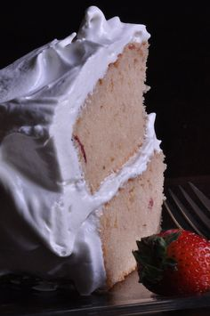 GlutenFree Dairyfree Strawberries & Cream Cake! Mmmmmmmm