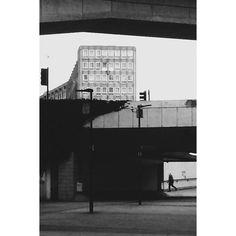 #london #canarywharf #monochrome #mono #minimalist by fire_fish