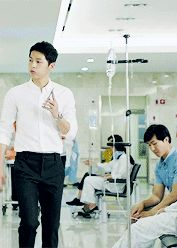 Song Joong Ki -Descendants of The Sun Song Joong Ki Birthday, Decendants Of The Sun, Les Descendants, Song Joon Ki, Sun Song, Korean Drama Series, Songsong Couple, Drama Fever, 22 November
