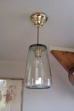 Pickles jar lamp with wasp power cord