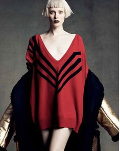 Perfect Icons: Karen Elson in Prada Fall 2014 by Luigi + Iango for Vogue Japan September 2014 Foto Fashion, Fashion Models, High Fashion, Fashion Show, Fashion Tape, Fashion Gallery, Knit Fashion, Vogue Fashion, Red Fashion
