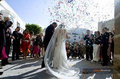 La salida de la iglesia....BOOMM!!!! Ibiza, Lace Wedding, Wedding Dresses, Fashion, Wedding Dress Lace, Simple Weddings, Wedding Pictures, Sevilla, Bride Dresses
