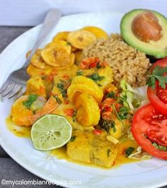 Encocado de Pescado y Camarn (Fish and Shrimp in Coconut Sauce) Fun Easy Recipes, Fish Recipes, Seafood Recipes, New Recipes, Cooking Recipes, Dinner Recipes, My Colombian Recipes, Colombian Cuisine, Latin American Food