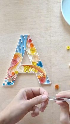 Quilling Videos, Paper Quilling For Beginners, Paper Quilling Tutorial, Paper Quilling Cards, Quilling Work, Paper Quilling Jewelry, Paper Quilling Patterns, Origami And Quilling, Quilling Techniques