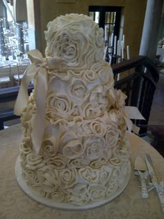 Ruffles and flowers fit for a wedding! - Belle's Patisserie