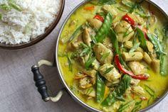 Κοτόπουλο με φυστικοβούτυρο, γάλα καρύδας και λαχανικά