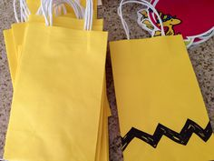 DIY party favor treat bags for a Peanuts / Charlie Brown birthday party