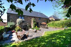 Old Traine Barn, Modbury, Devon, England, Sleeps 10, Bedrooms 5, Self-Catering Holiday Cottage, Pet Friendly.