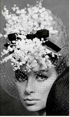 1a03839b81ccfd9a77d49d2a7258154a Une coiffe de muguet de Jean Barthet 1964