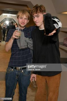 Sonny Starkey and Gene Gallagher attend the UGG + Eckhaus Latta Gene Gallagher, Lennon Gallagher, Oasis Album, Indie Boy, Nick Grimshaw, Eckhaus Latta, Step Kids, Baby G, Stylish Men