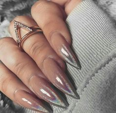 Why are stiletto nails so amazing? We have found the very Best Stiletto Nails for 2018 which you will find below. Having stiletto nails really makes you come off as creative and confident. You can be that fierce girl you always wanted to be! Fabulous Nails, Gorgeous Nails, Pretty Nails, Stiletto Nail Art, Nude Nails, Acrylic Nails, Coffin Nails, Acrylic Mirror, Pastel Nails