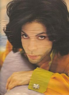 Early part of Diamonds Pearls. still had his Nude Tour long hair. Beautiful One, Gorgeous Eyes, Sheila E, Prince Images, Music Genius, The Artist Prince, Prince Purple Rain, Paisley Park, Roger Nelson