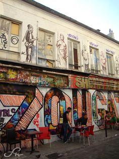 Belleville, un village labellisé Street Art Street Art, Paris Street, East Street, Tour Eiffel, Monuments, Boutiques, Belleville Paris, Paris Photography, Paris Photos