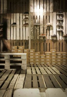 Timber palettes are another low-cost way to fit-out a pop up store