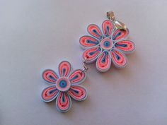 Pink quilled necklace