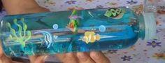 Cómo introducir el mar en una botella. ¡Es ideal para realizar con niños! Se lo pasarán en grande mientras les ayudas a realizar esta manualidad. ¡Muy sencilla y divertida!