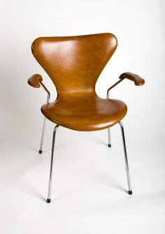 arne jacobsen series. Chair