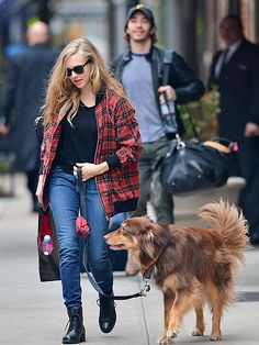 Star Tracks: Tuesday, April 8, 2014 | DOGGY DATE | Amanda Seyfried keeps Australian shepherd Finn close (while beau Justin Long trails behind!) during a casual stroll Monday in New York City.