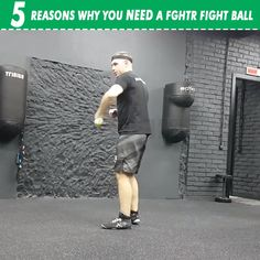eyes have it If you are training boxing, muay thai, mixed martial arts or any other combat sports, then you'll love this training tool! The FGHTR Fight Ball is a great tool for improv Boxing Training Workout, Kickboxing Workout, Mma Training, Gym Workout Tips, Ab Workout At Home, Workout Videos, Kickboxing Benefits, Studio Workouts, Muay Thai Training