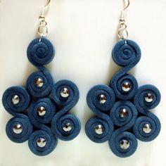 Curly b orecchini in moosgummi e strass - handmade