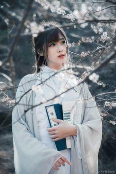 HanFu Old Classics Movies Ancient Beauty, China Girl, Chinese Clothing, Hanfu, Beautiful Asian Girls, Ulzzang Girl, Japanese Girl, Traditional Outfits, Traditional Chinese